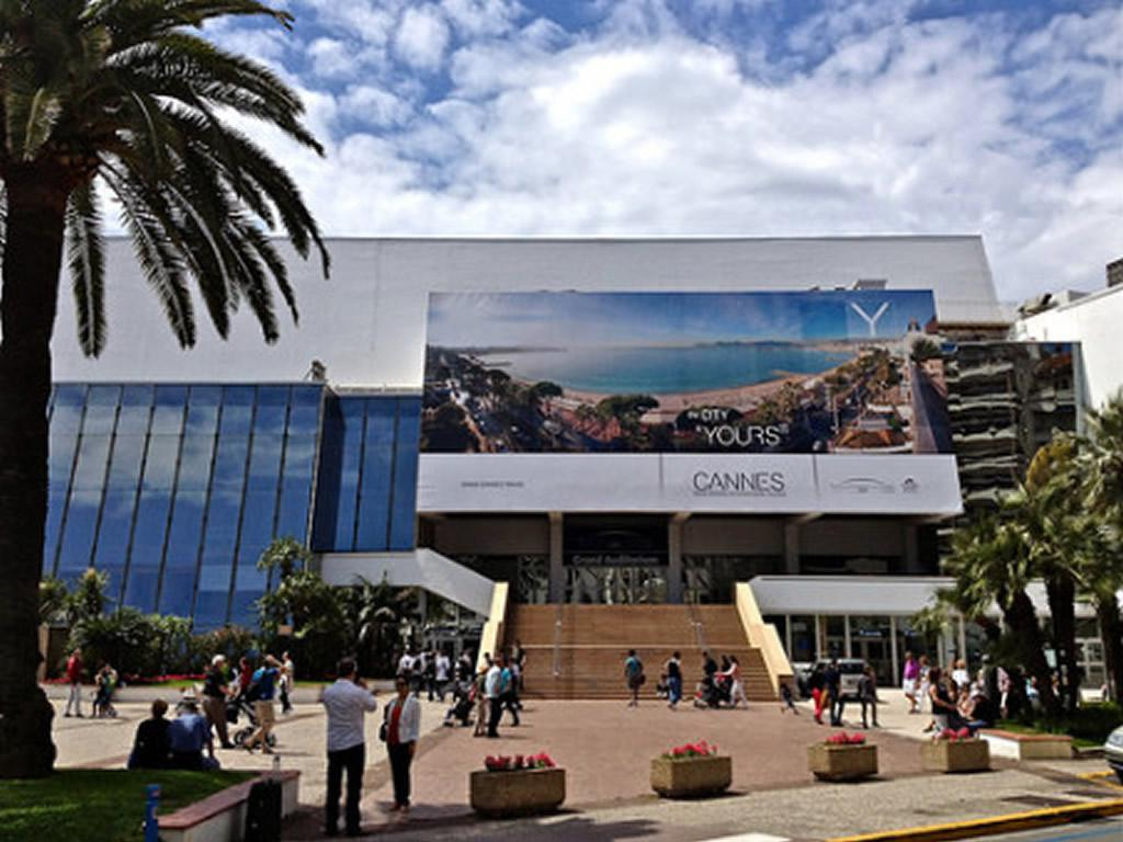 Palais des Festivals is only 15 mins walk from the apartment